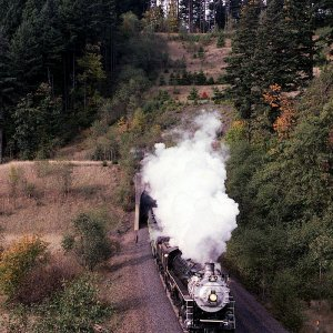 SP&S 4-8-4 700 emerges from Tunnel #1.5