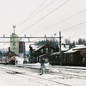 Train arrives from Oslo