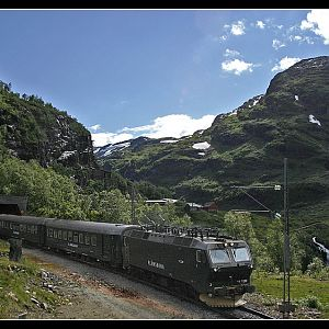 Coming down from Myrdal