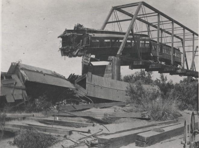 Arizona bridge wreck.jpg