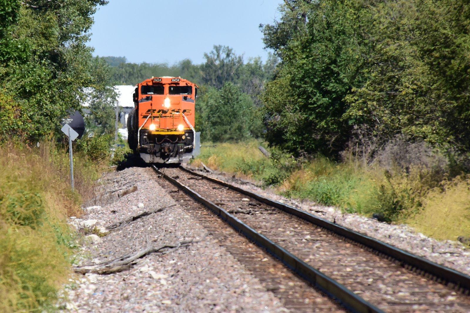 BNSF 8434_Train 410 National By_092221.JPG