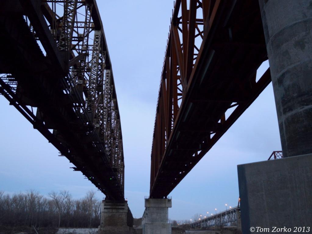 Bridges_small_112913_v1.jpg