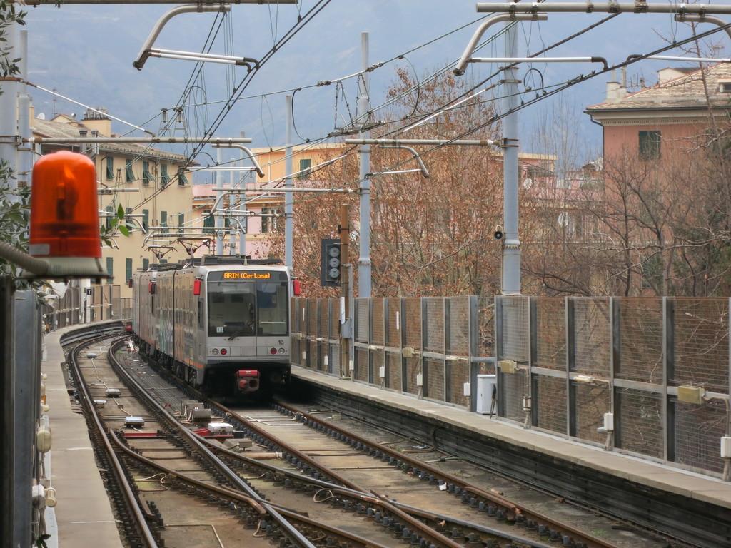 genova_metro4jrarh.jpg