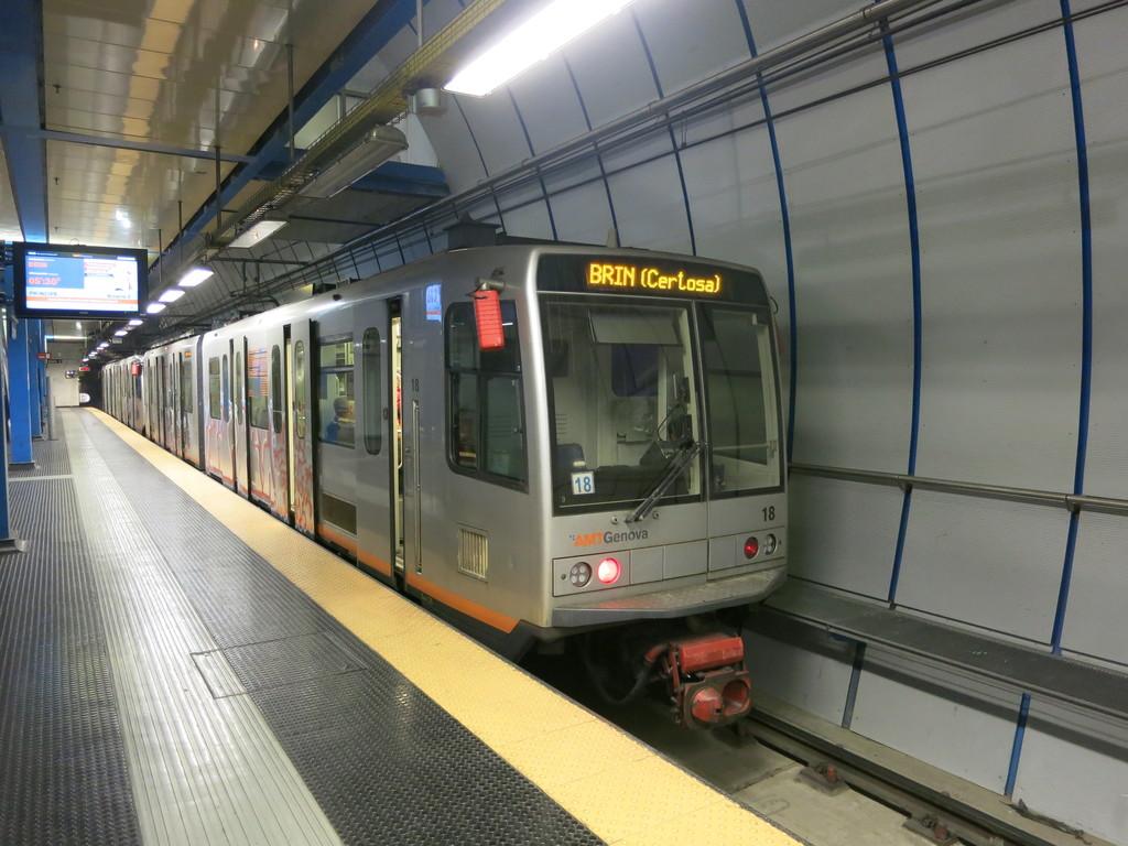 genova_metro5lsxxn.jpg