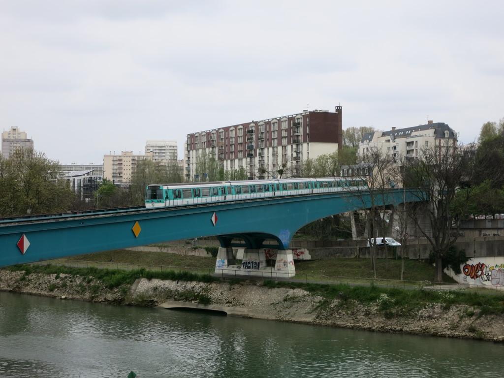 m8_pont25is7v.jpg