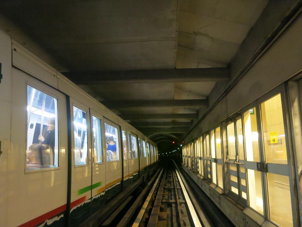 m_tunnel2zzsx9.jpg