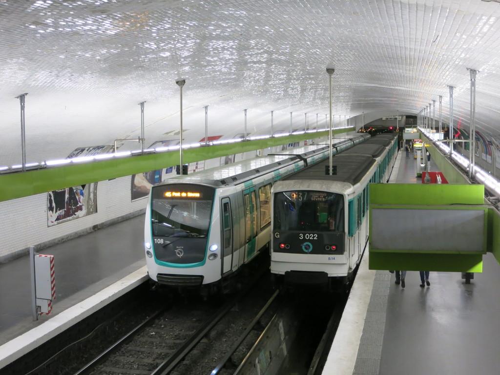 metro9_mix99sqd.jpg