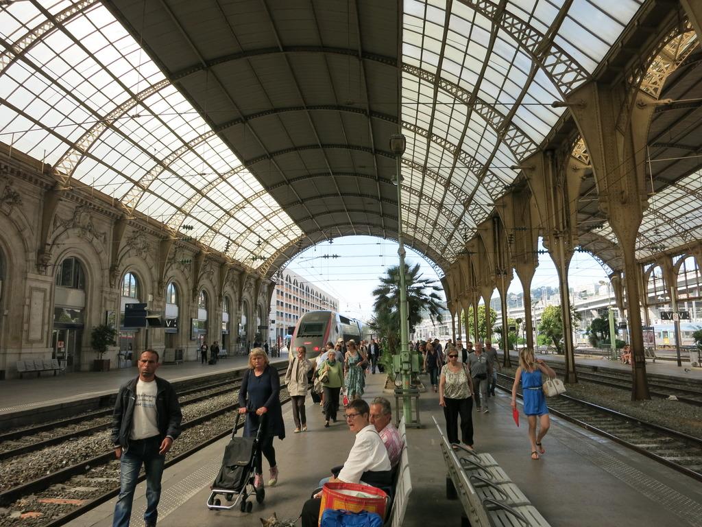 train_gare285kvs.jpg