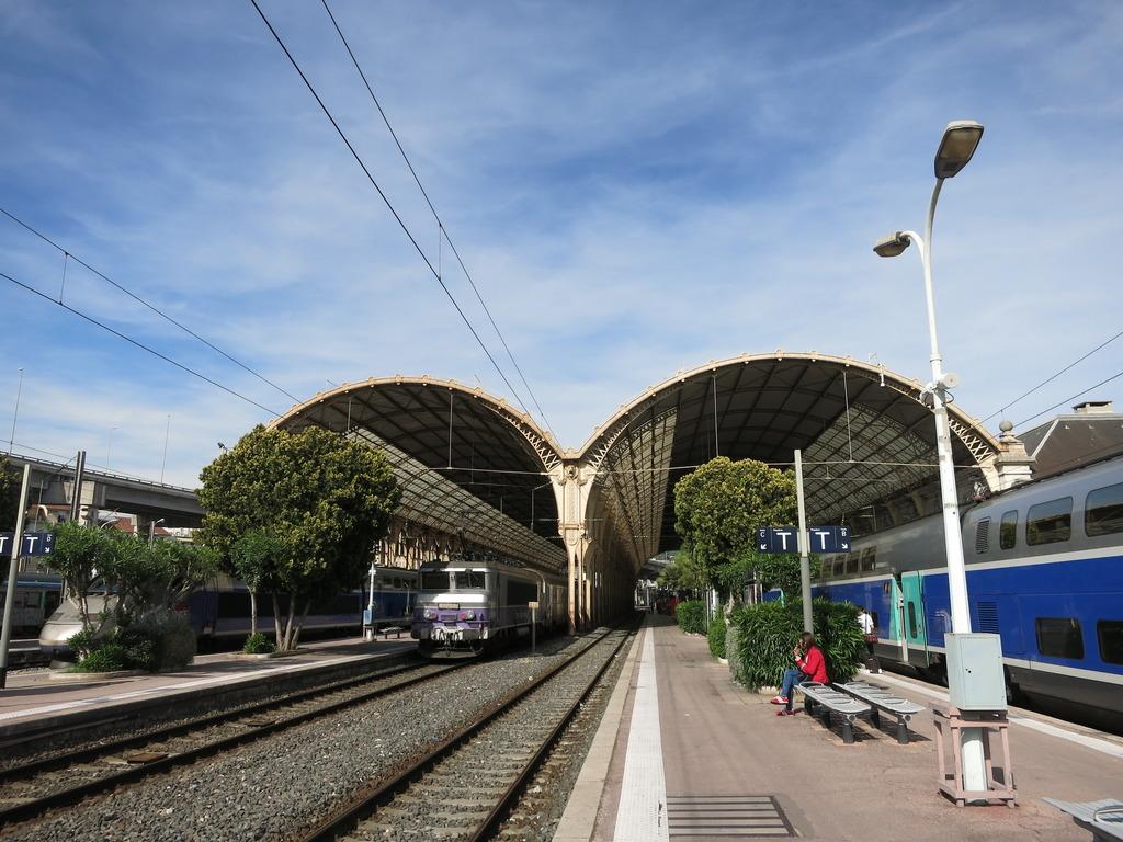 train_gare4qvkpp.jpg