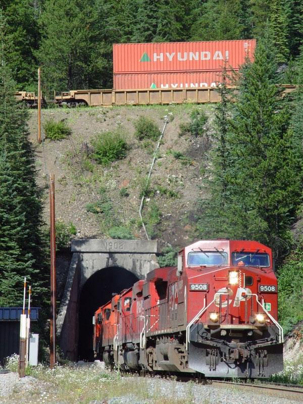 CP through the Spiral Tunnels | RailroadForums.com - Railroad ...